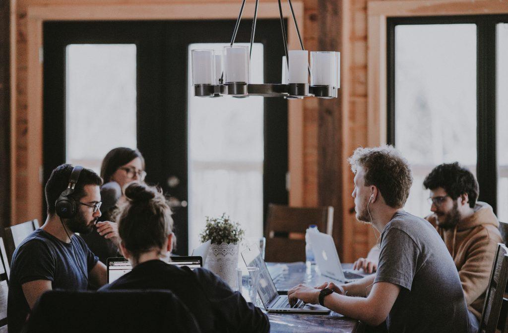 Đánh giá khả năng lãnh đạo định kì giúp việc đào tạo trở nên dễ dàng và hiệu quả.