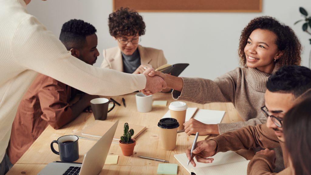 Đo lường năng lực làm việc nhóm của nhân viên giúp doanh nghiệp quản lý hiệu suất làm việc của các nhóm hiệu quả