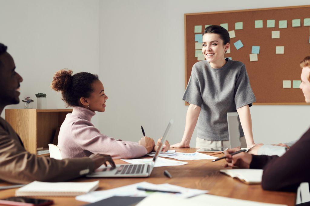 đánh giá khả năng lãnh đạo định kì giúp doanh nghiệp hiểu rõ hơn về cấp lãnh đạo